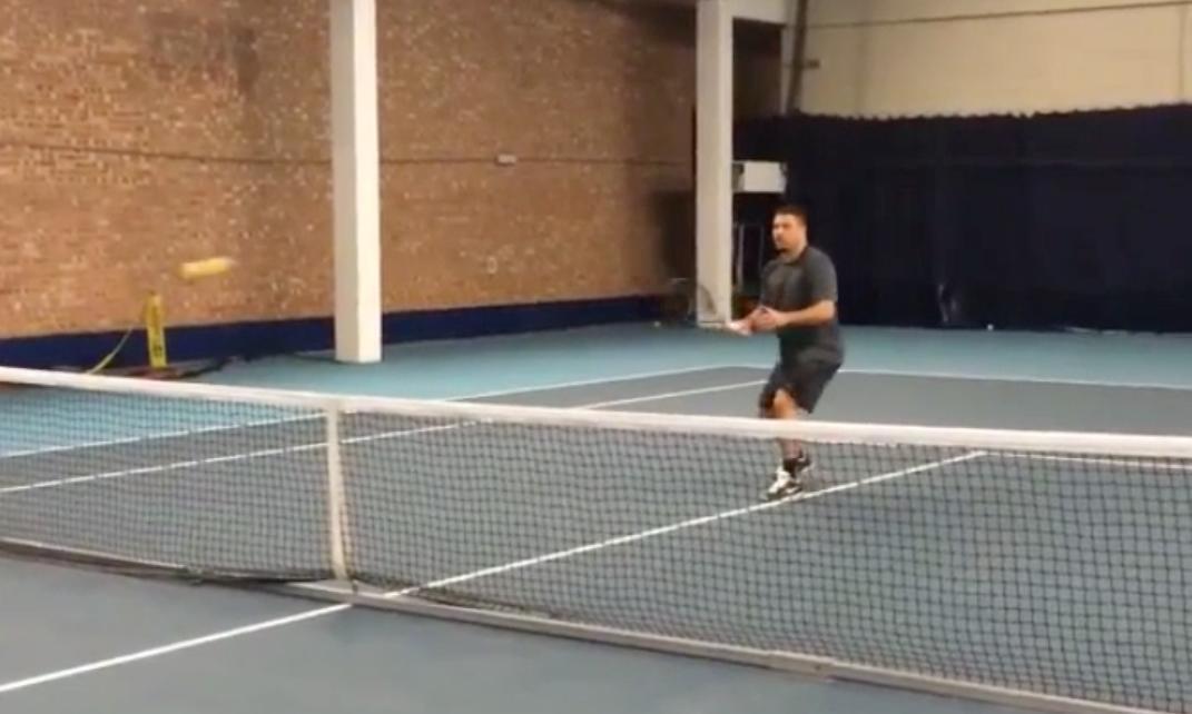 Insolite : Ronaldo régale au tennis ! (vidéo)