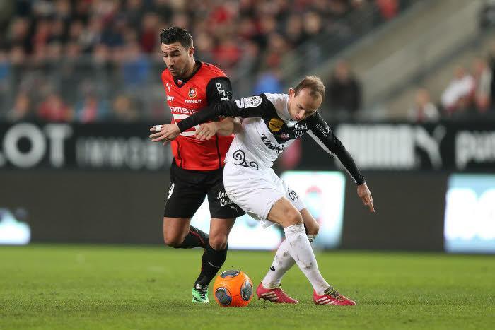 Romain Alessandrini (Rennes) et Thibaut Giresse (Guingamp)