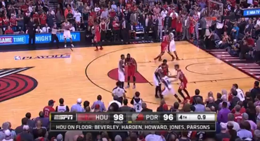 Basket - NBA : L'incroyable buzzer beater de Damian Lillard (vidéo)