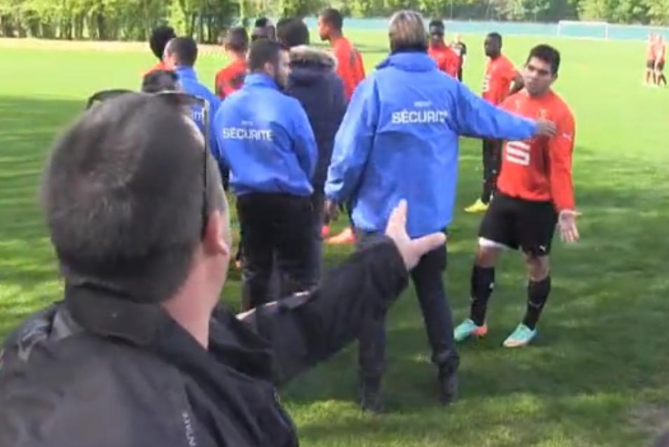 Rennes : Entraînement sous très haute tension entre joueurs et supporters (vidéo)