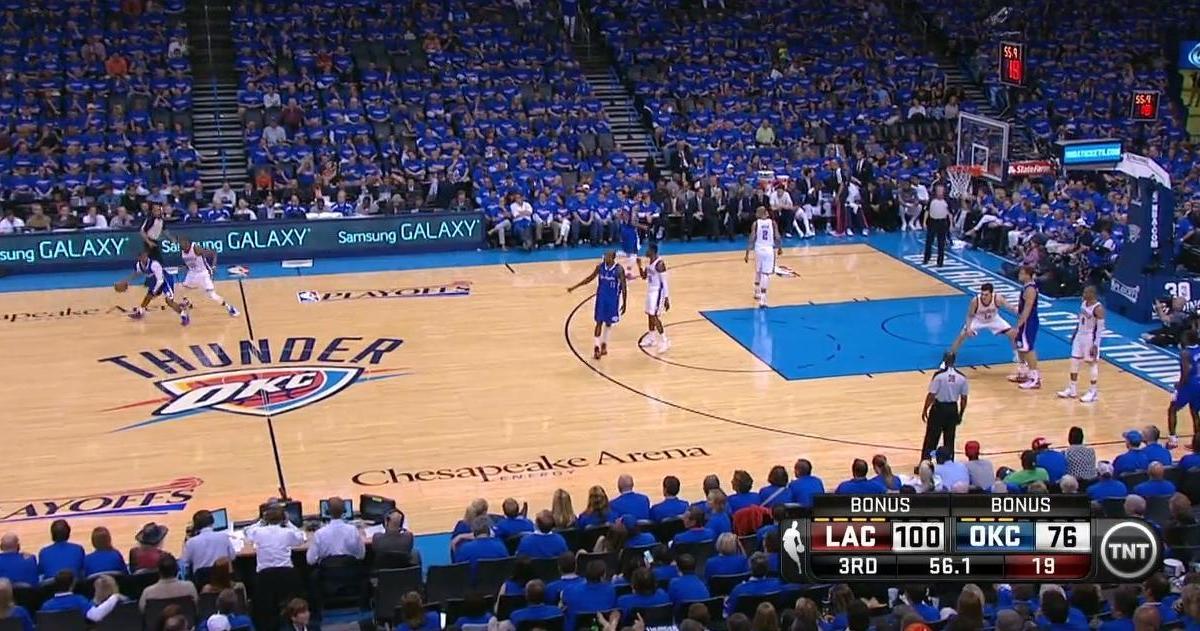 Basket - NBA : Le dunk de la nuit par Blake Griffin (vidéo)