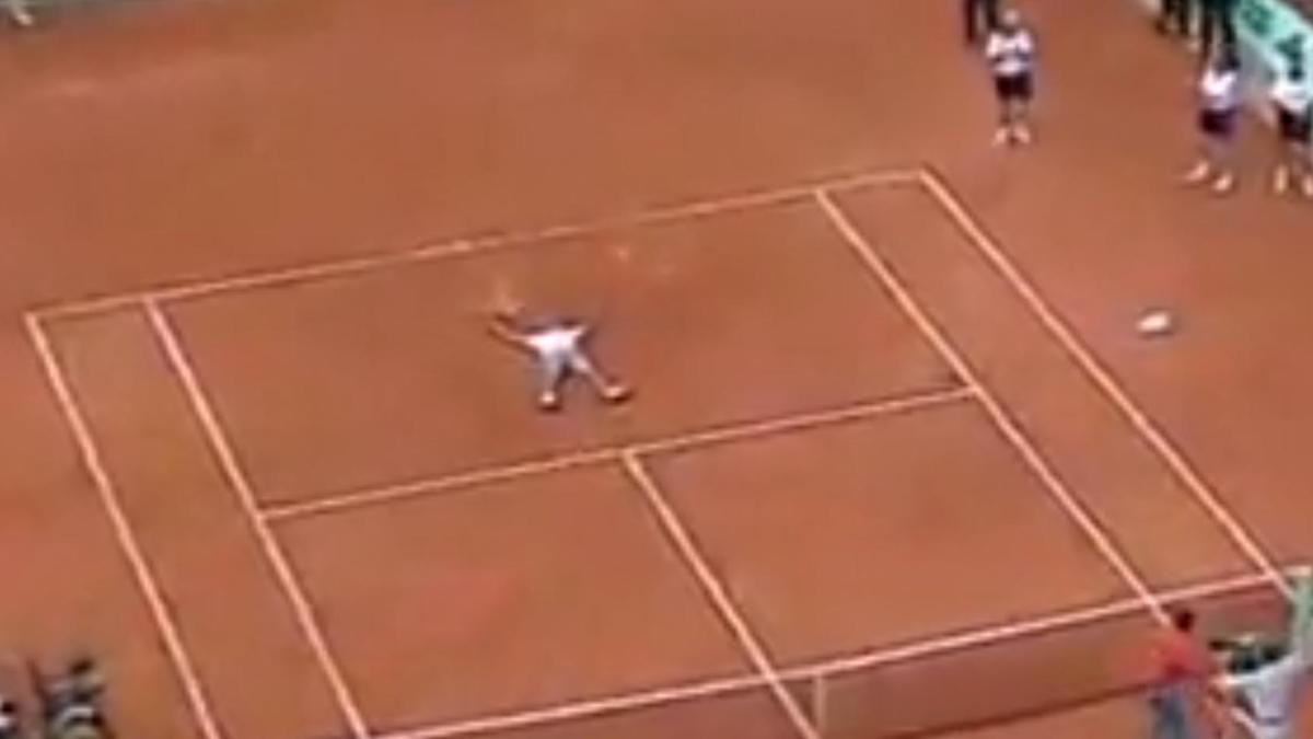 Tennis - Roland Garros 2001 : Le cœur de Gustavo Kuerten sur le court (vidéo)