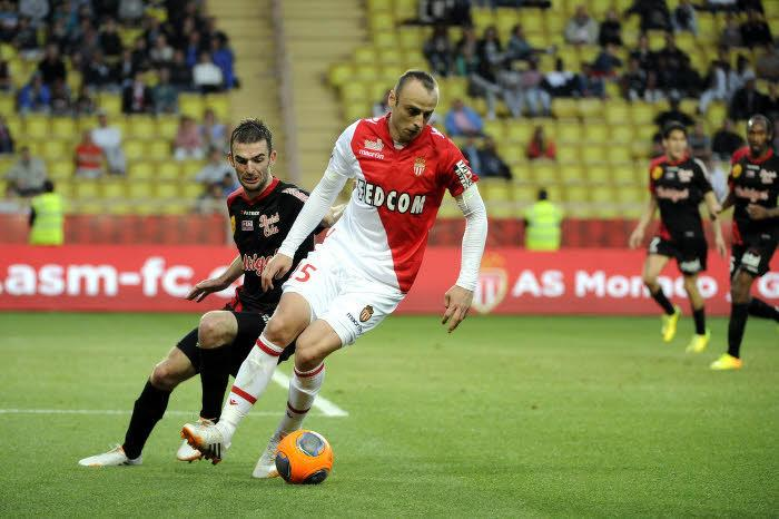 Officiel - AS Monaco : Berbatov prolonge l'aventure !