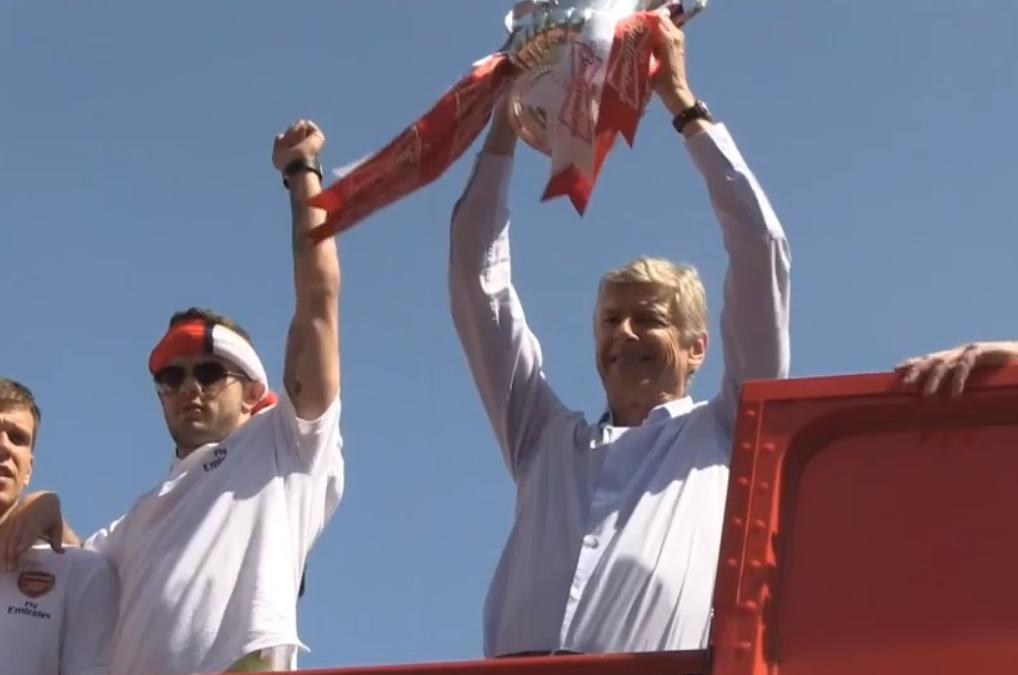 Arsenal célèbre sa victoire en FA Cup (vidéo)
