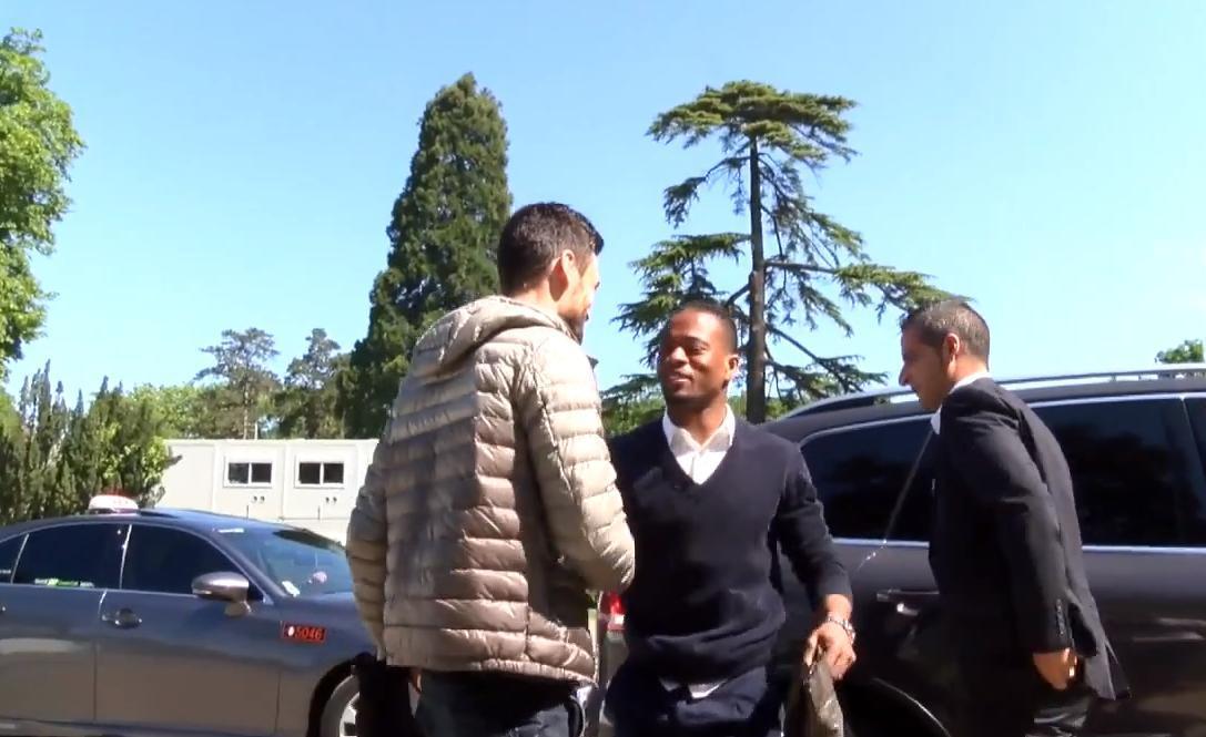 Coupe du monde Brésil 2014 -  Équipe de France : L'arrivée des 9 premiers joueurs à Clairefontaine (vidéo)