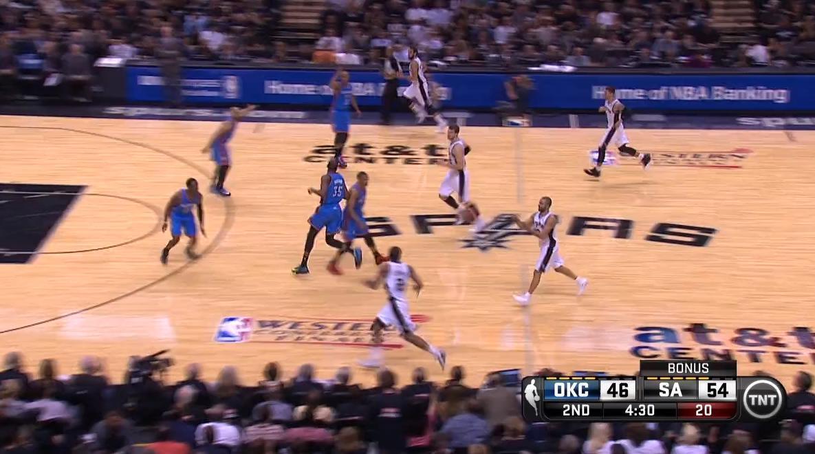 Basket - NBA : Le dunk de la nuit par Kawhi Leonard (vidéo)