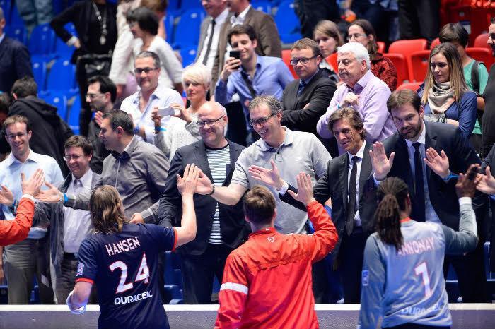 Lauren Blanc applaudi les handballeurs du PSG