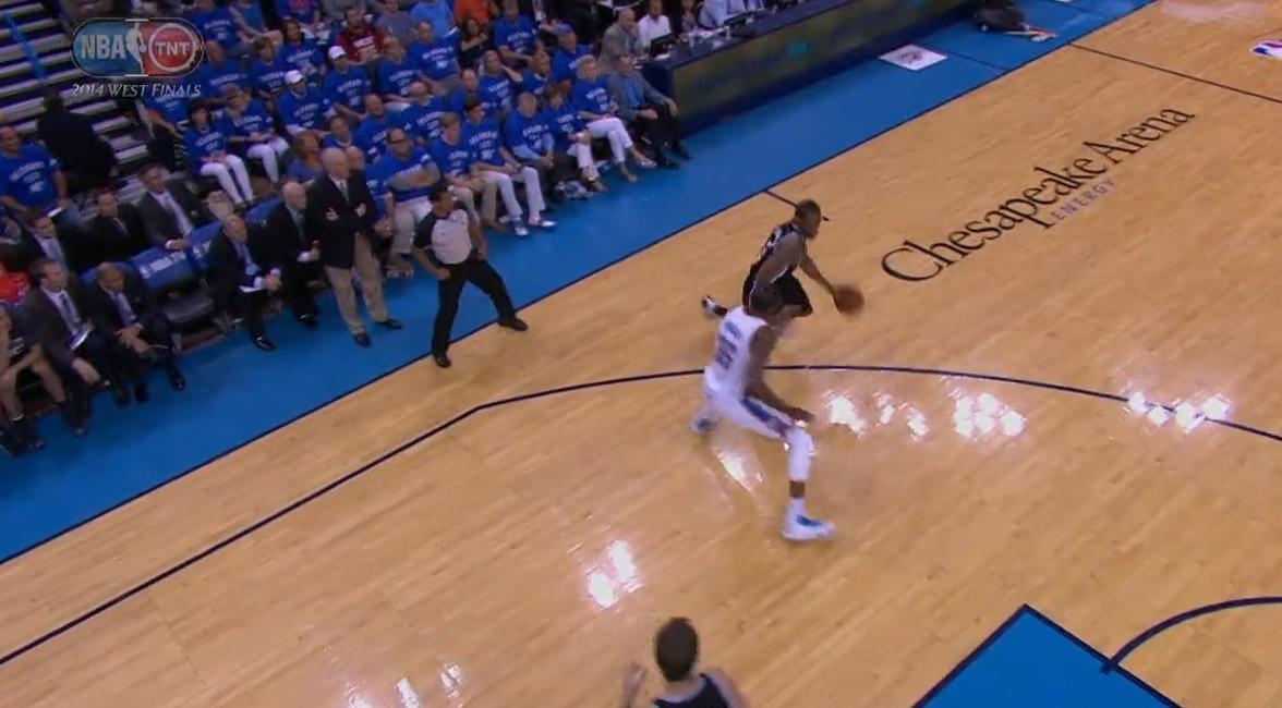 Basket - NBA : Le dunk de la nuit dernière par Kawhi Leonard (vidéo)