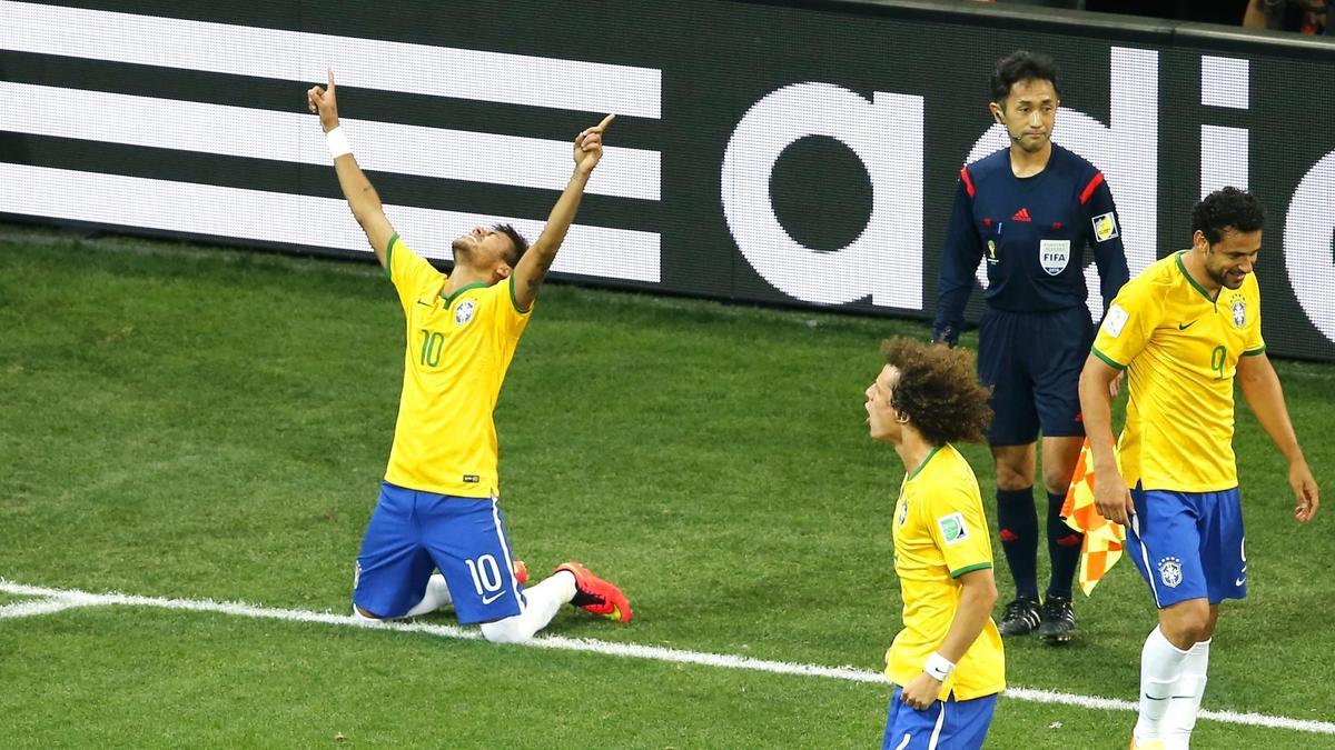 Coupe du monde Brésil 2014 : Pierre Ménès évoque un complot arbitral