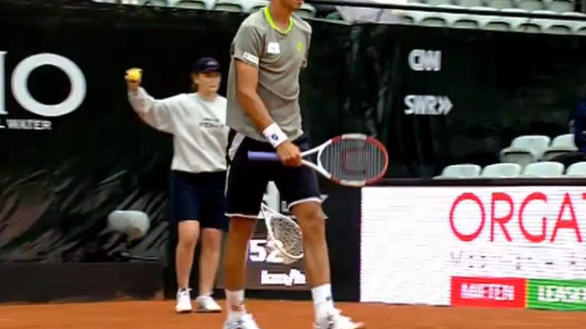 Tennis : Quand un joueur se prend pour Ronaldinho (vidéo)