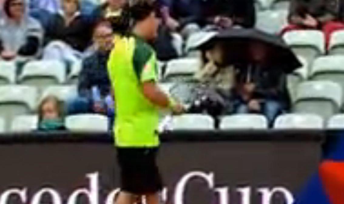Tennis - Insolite : Il casse deux de ses raquettes lors des deux premiers jeux (vidéo)