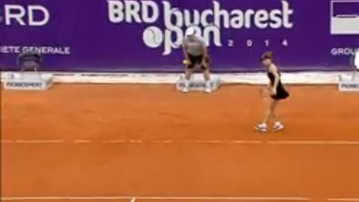 Tennis - Insolite : Un juge de ligne se prend le service de Krunic (vidéo)