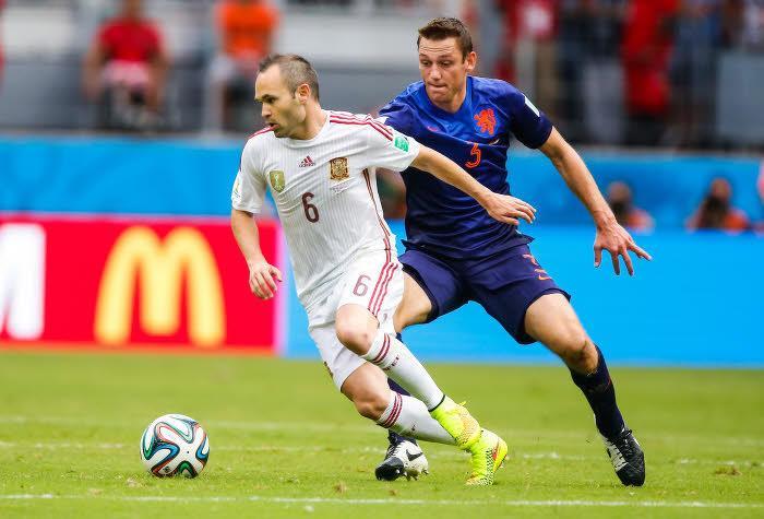 Manchester United : Et la première recrue de Van Gaal devrait être…