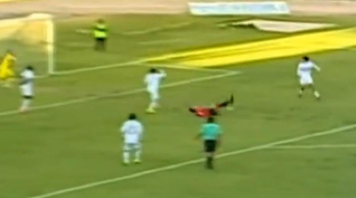Pérou : À 37 ans, il marque le but de la saison (vidéo)