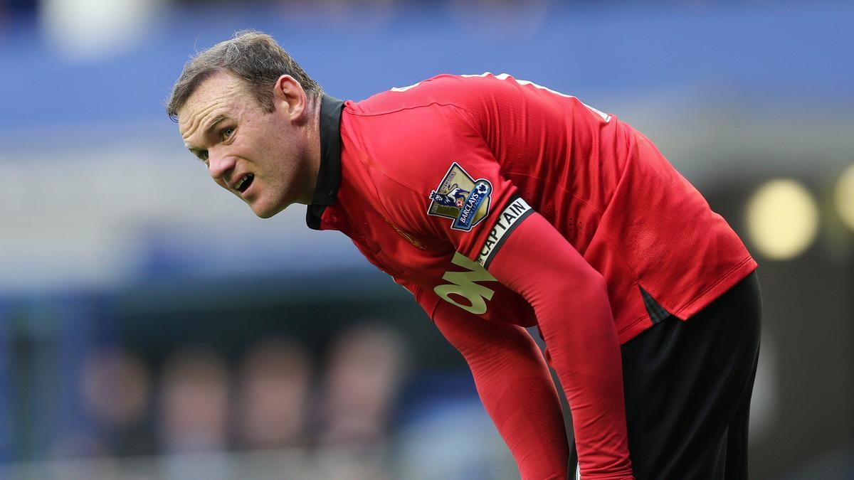 Manchester United - Insolite : Déjà l'amour fou entre Rooney et Van Gaal (vidéo)