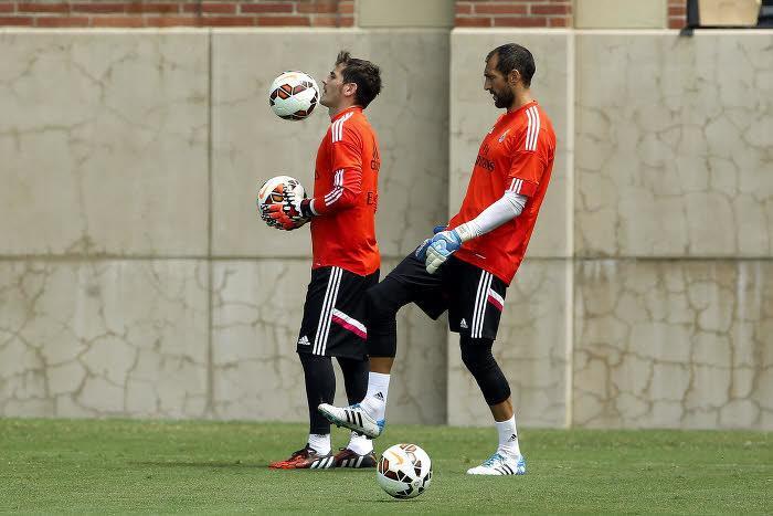 Iker Casillas, Diego Lopez