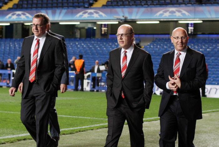 Brian, Avram et Joel Glazer, Manchester United