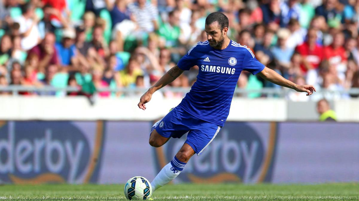 Chelsea : Le sublime coup franc de Cesc Fabregas (vidéo)