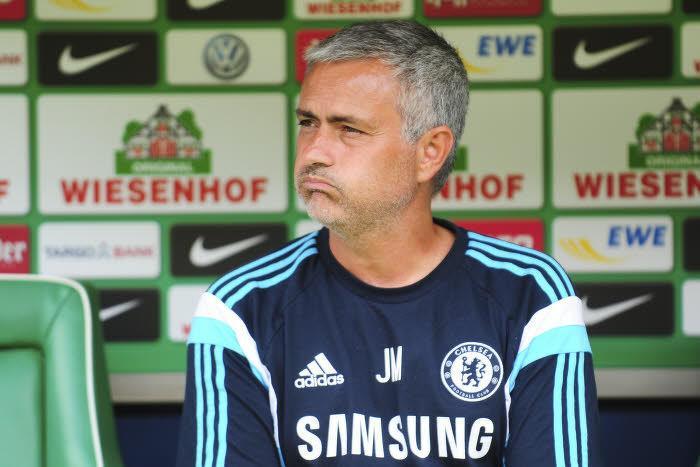 Chelsea : Mourinho tacle sèchement l'arbitre après la défaite de son équipe !