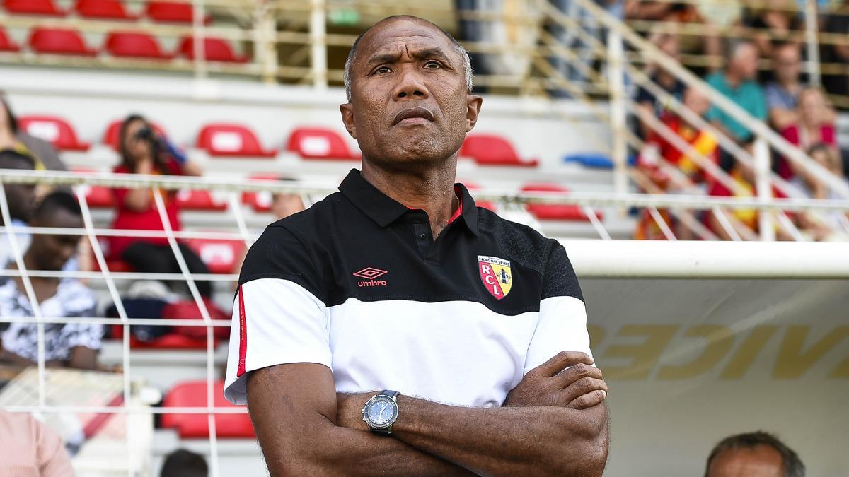RC Lens : Kombouaré fait passer un message pour le recrutement
