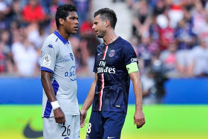 Brandao (Bastia) et Thiago Motta (PSG)