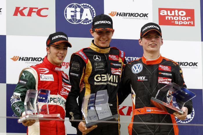 Max Verstappen (à droite)