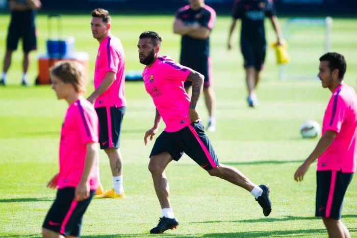 Le Camp Nou a pris position dans le dossier Daniel Alves !