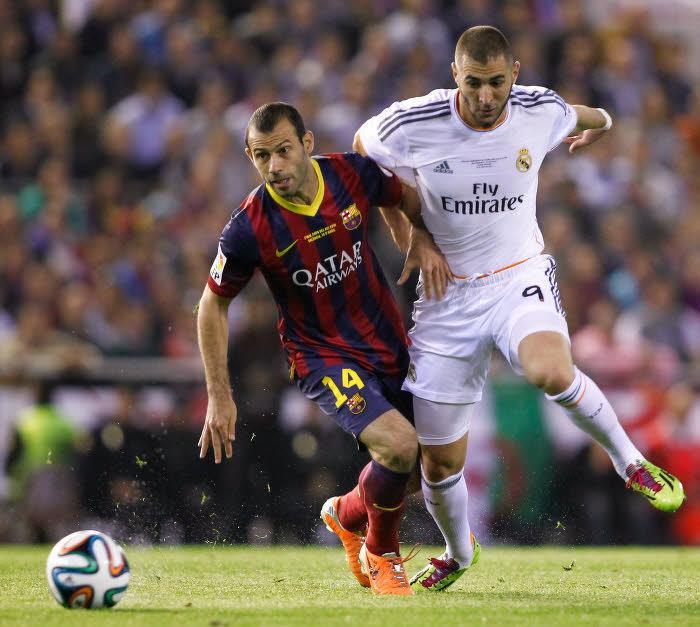 Javier Mascherano (Barcelone) et Karim Benzema (Real Madrid)