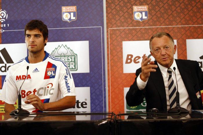 Yoann Gourcuff et Jean-Michel Aulas, en 2010