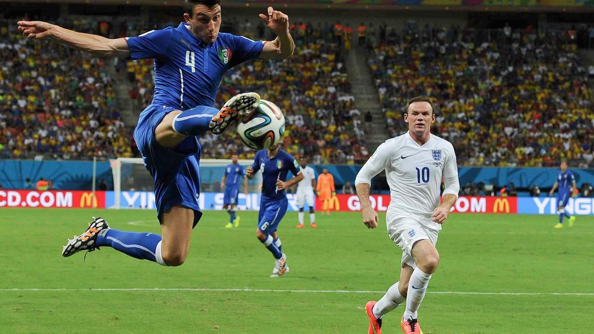 Mercato - Manchester United : Une piste concrète à 20M€ pour Van Gaal ?