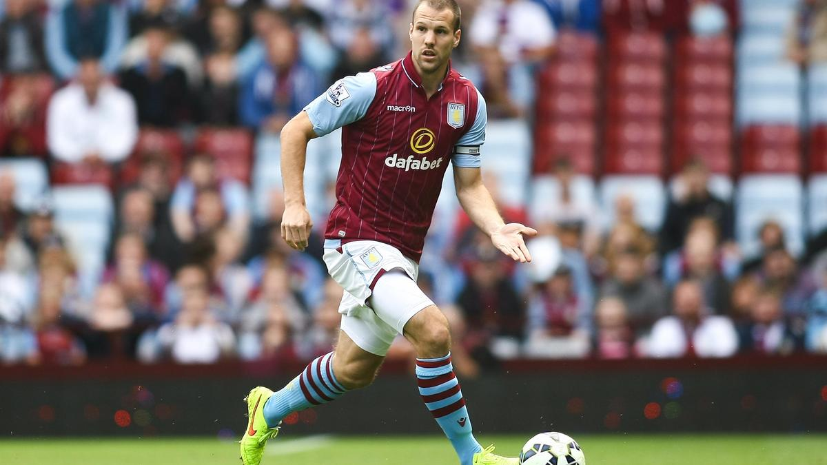 Ron Vlaar, Aston Villa