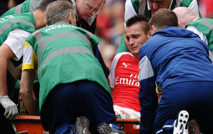 Arsenal : La presse anglaise conseille un ancien international français pour remplacer Debuchy !