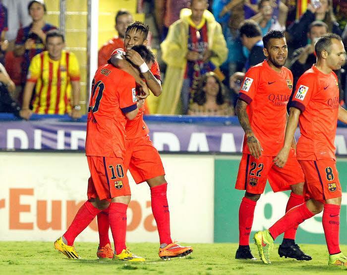 Barcelone : Un penaly complètement manqué, un but, une passe décisive… Le week-end de Léo Messi (vidéo)