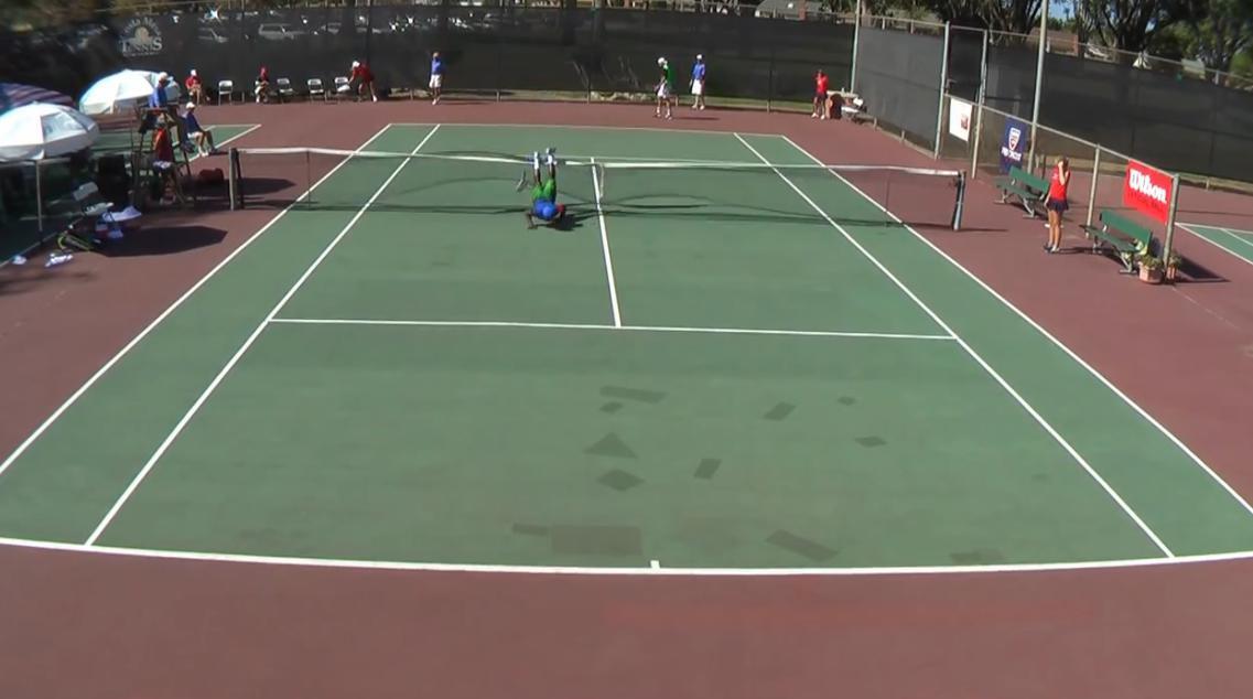 Tennis - Insolite : Il veut sauter par-dessus le filet, mais chute lamentablement (vidéo)
