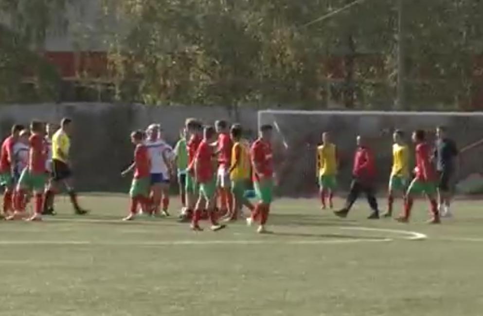 Impressionnante bagarre générale lors d'un match de jeunes (vidéo)