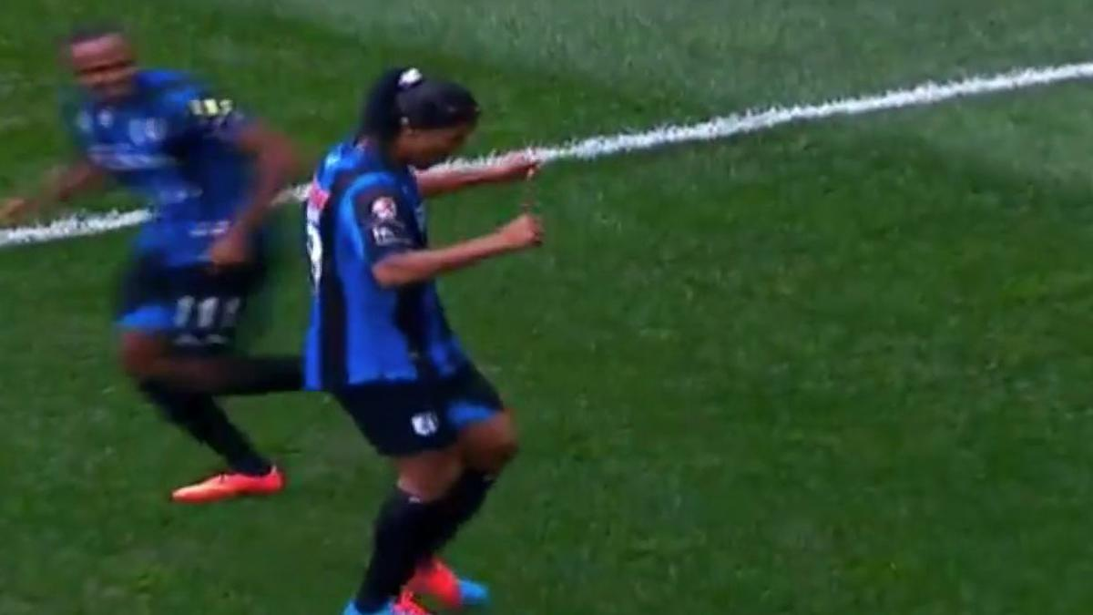Après son premier match manqué au Mexique, Ronaldinho régale désormais (vidéo)