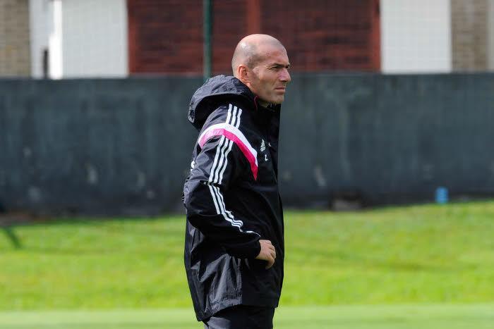 Real Madrid - Polémique : Plainte, diplôme… Trois mois de suspension pour Zidane ?
