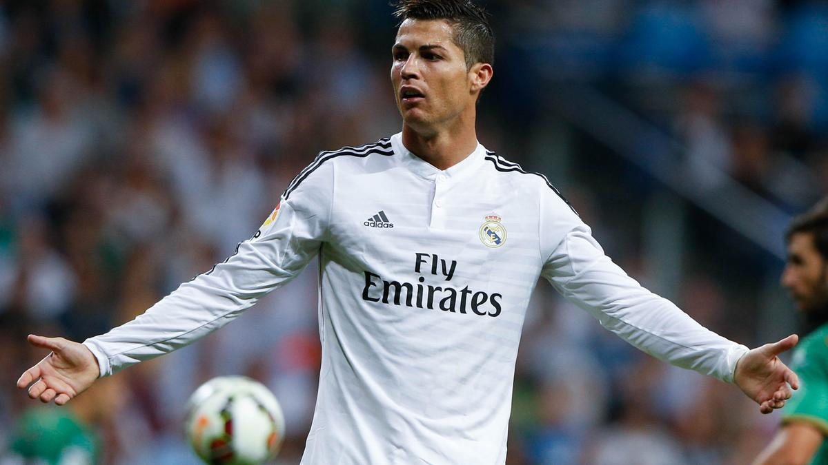 Mercato - Real Madrid : Les fans de United ont dépensé 1700 euros pour l'avion de Cristiano Ronaldo