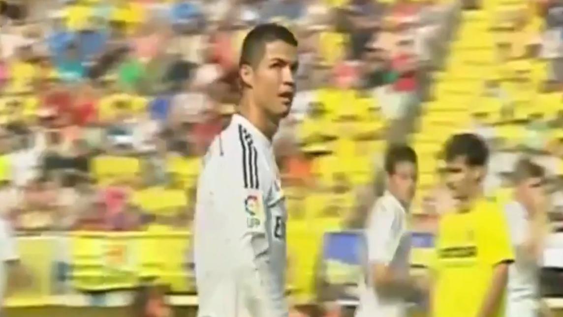 Real Madrid : Cristiano Ronaldo voit passer une banderole réclamant son retour à United (vidéo)
