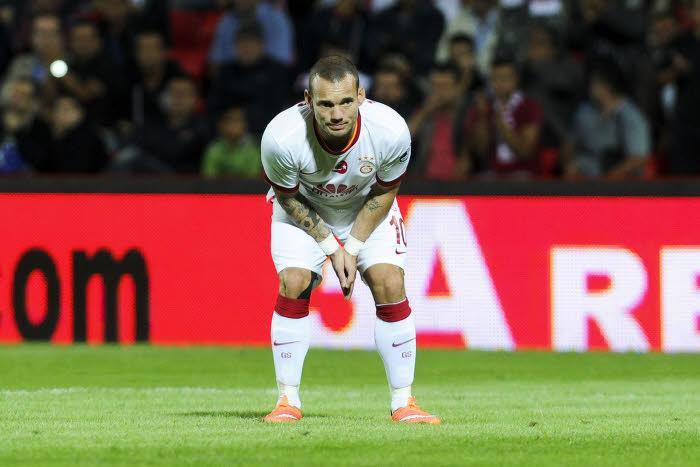 Mercato - AS Monaco : Sneijder révèle pourquoi il a snobé Manchester United !