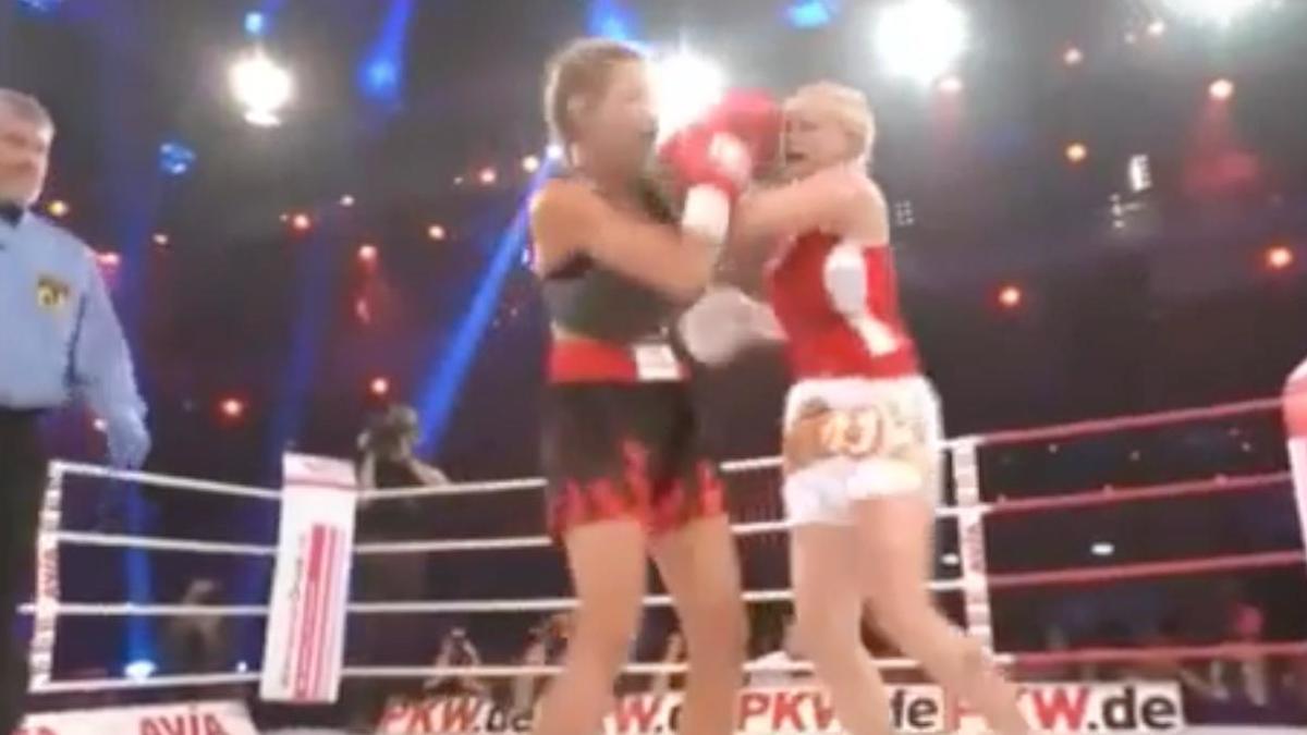 Insolite : Ce combat de boxe entre un mannequin et une actrice qui fait le buzz (vidéo)