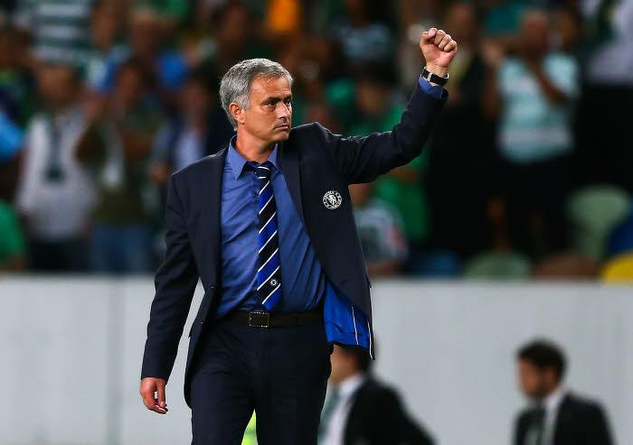 José Mourinho sur le banc de Chelsea
