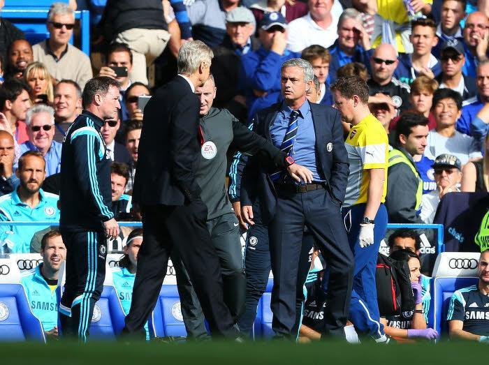 Chelsea/Arsenal : Pierre Ménès met son grain de sel dans l'altercation entre Mourinho et Wenger !