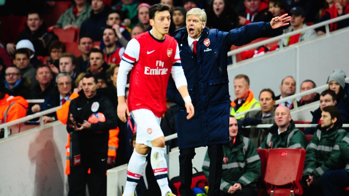 Mesut Ozil et Arsène Wenger