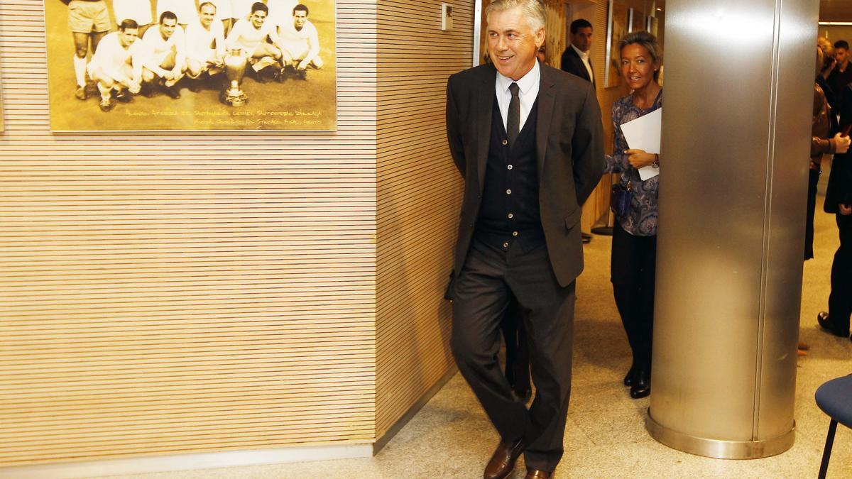 Mercato - Real Madrid : Ancelotti tenté par une aventure sur le banc du Barça ? Il répond !