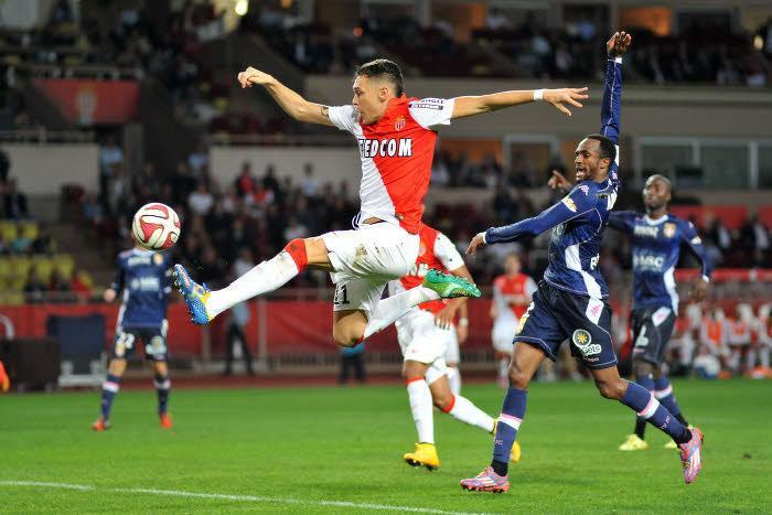 Mercato - AS Monaco : Ocampos révèle pourquoi il n'a pas rejoint l'OM de Bielsa !