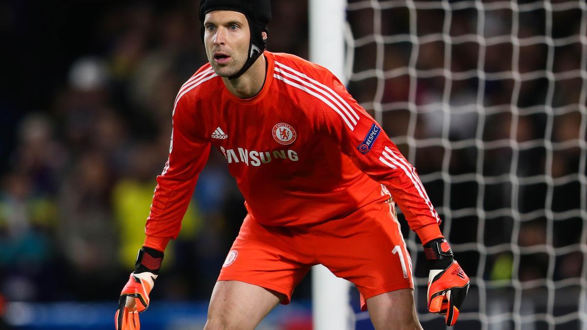 Mercato - Chelsea/Real Madrid/PSG : Un agent de Cech confirme une piste potentielle !