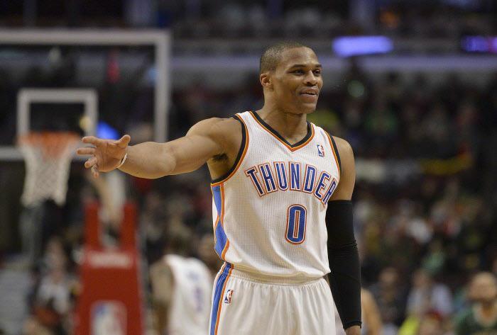 Basket , NBA  Quand Russell Westbrook rembarre un fan des Lakers dans les  tribunes !