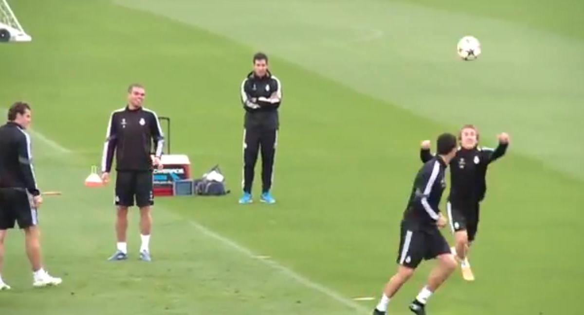 Real Madrid : Cristiano Ronaldo comme un enfant lors d'un entraînement ! (vidéo)