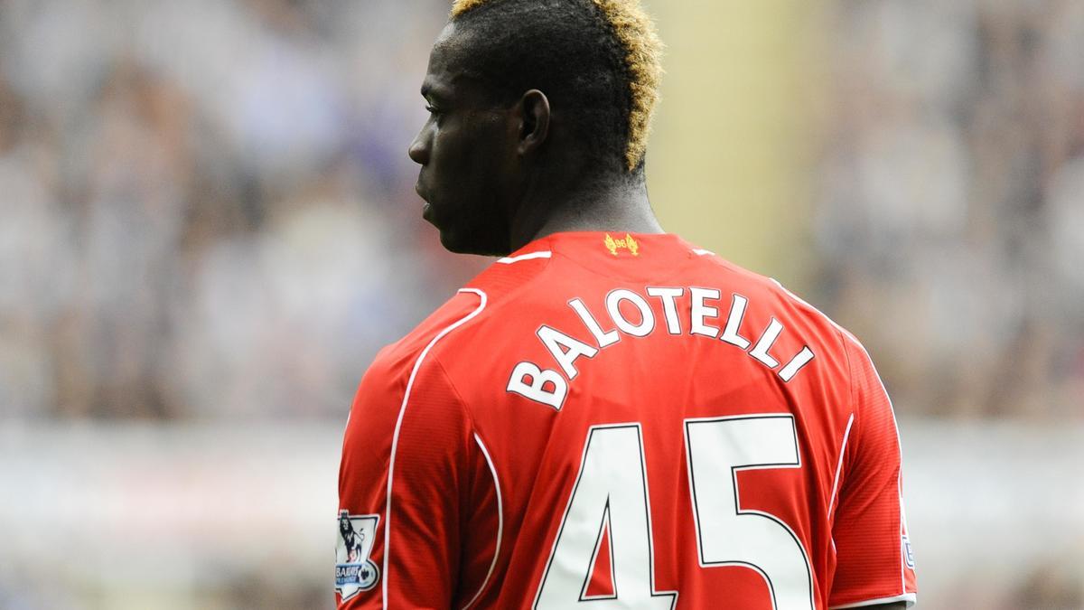 Insolite - Liverpool : Balotelli a trouvé son maître... au ping-pong !